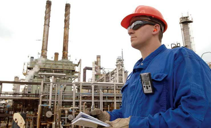GasBadge Pro in use in an oil refinery