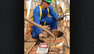 Wireless gas detectors for confined space entry